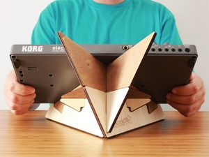 KOSMO double tabletop stand by Cremacaffè Design