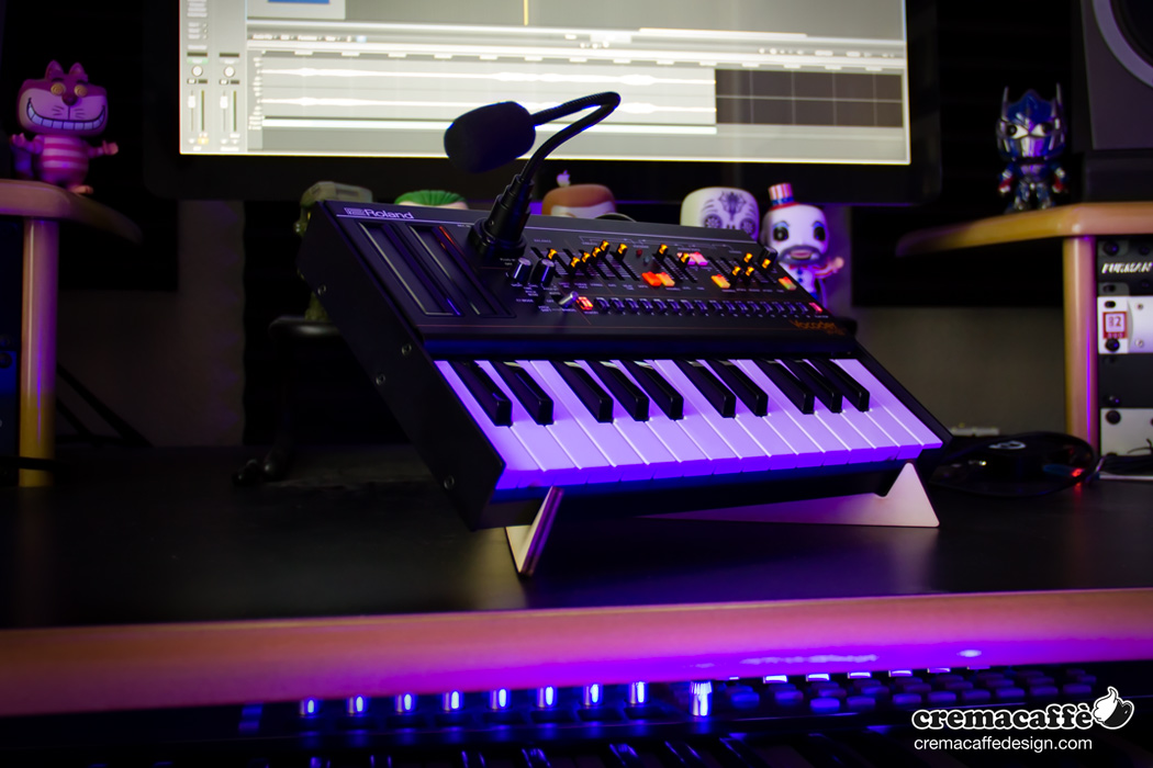 SPIKE synth stand & Roland Botique VP-03