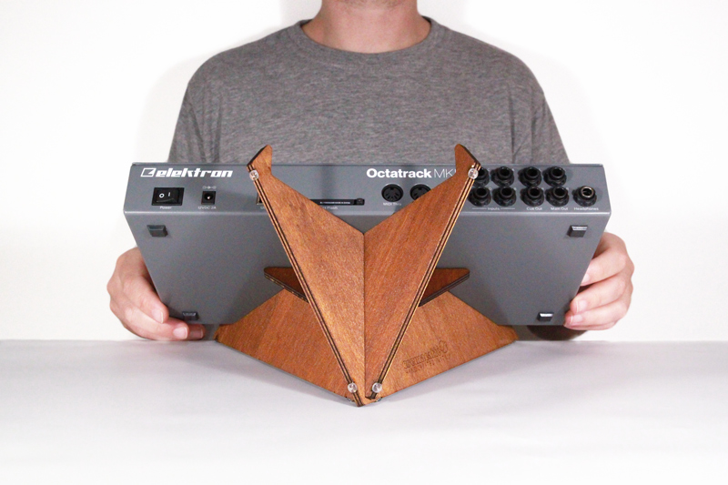 image: SPIKE synth stand